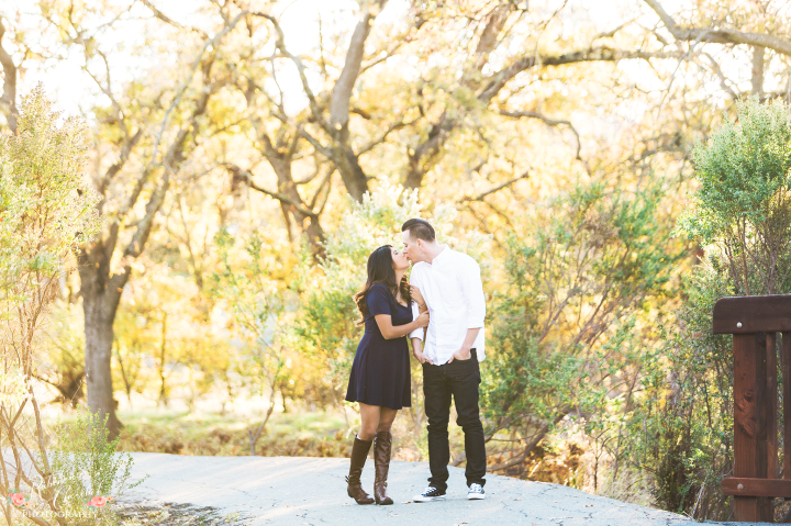 Walnut Creek Outdoor Engagement Session